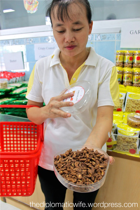 Free tasting at the Sri Bhurapha Orchid Phuket Cashew factory store