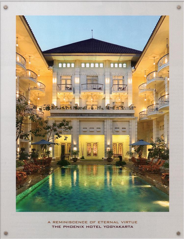 Phoenix Hotel pool area