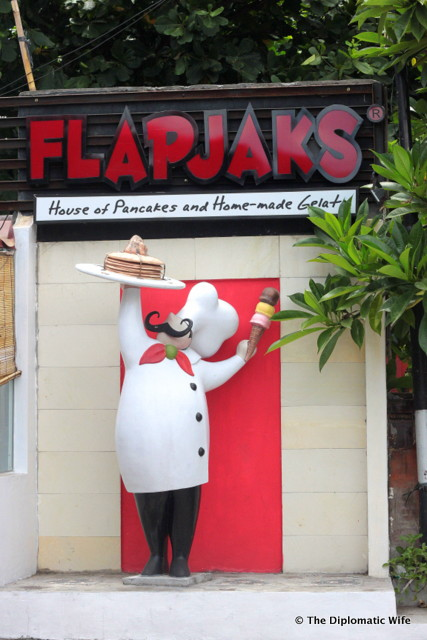BALI TOURIST TRAP: Flapjaks Brunch