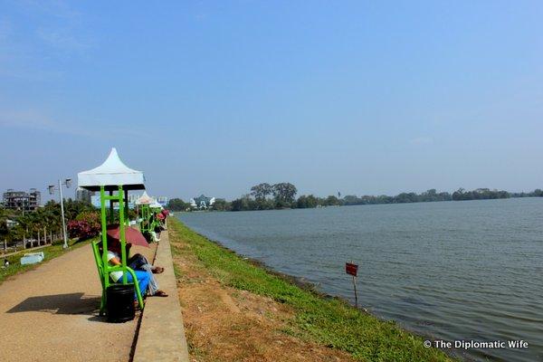 YANGON: Lovely Walk Around Inya Lake