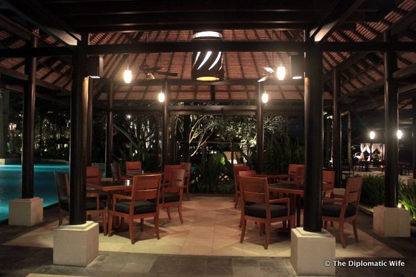 04-eight degrees south restaurant conrad hotel bali-003