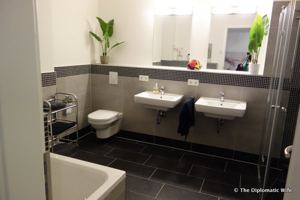 Modern renovated apartments flats berlin-004