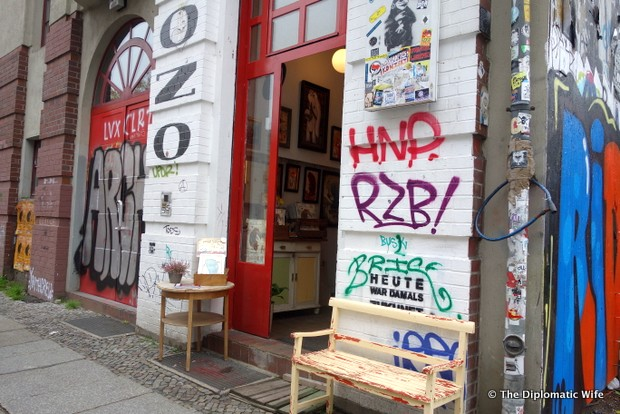 BERLIN FINDS: Onkel Zozo Art Gallery