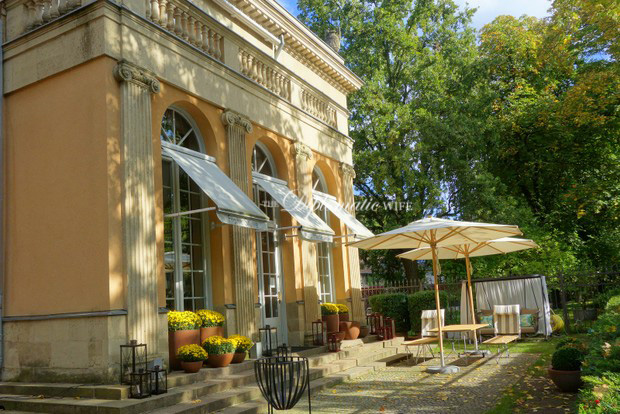 BERLIN FINDS: Villa Harteneck Interior Decor