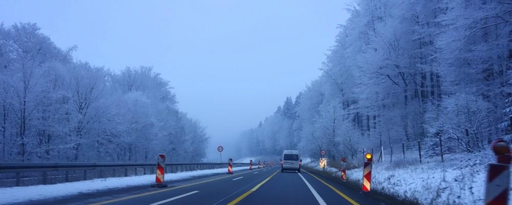 FRANKFURT INFO: Snowy Autobahn Drive