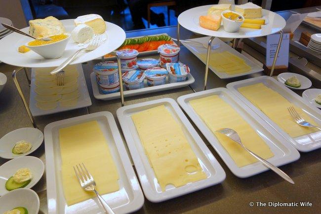 concorde hotel berlin breakfast buffet-009