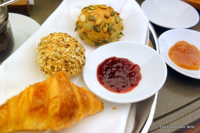 concorde hotel berlin breakfast buffet-014