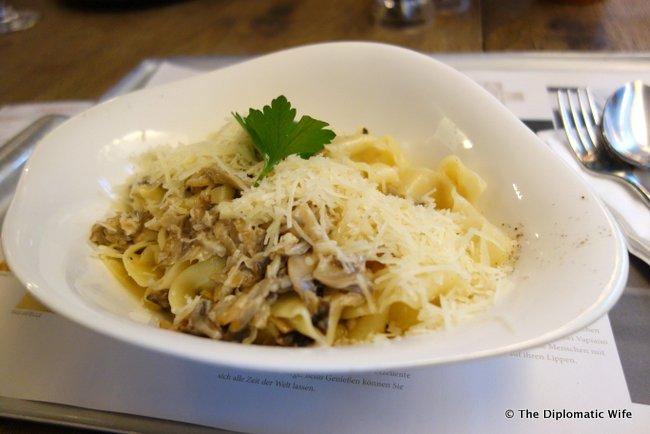 vapiano italian restaurant-003