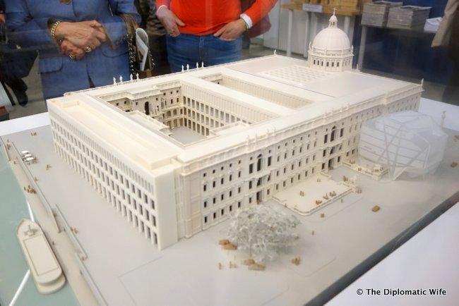 berlin palace humbolt box-002