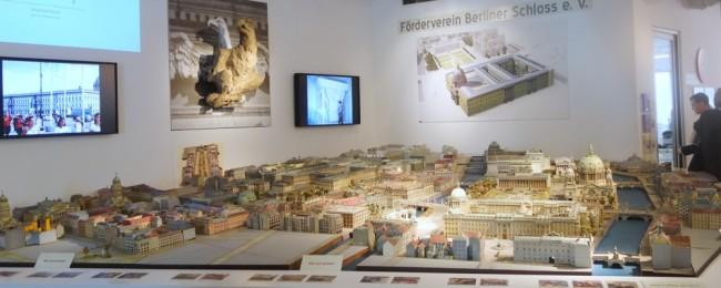 berlin palace humbolt box-007