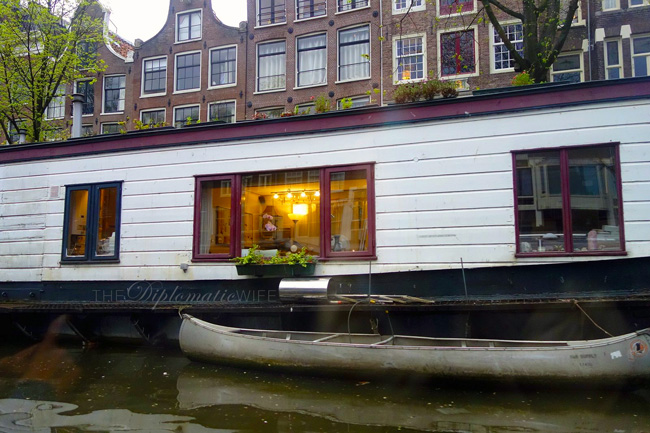 amsterdam-canal-boat-house