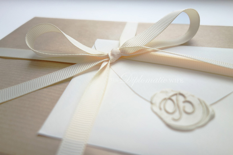 diplo-diy-brown-paper-gift-wrapping-004