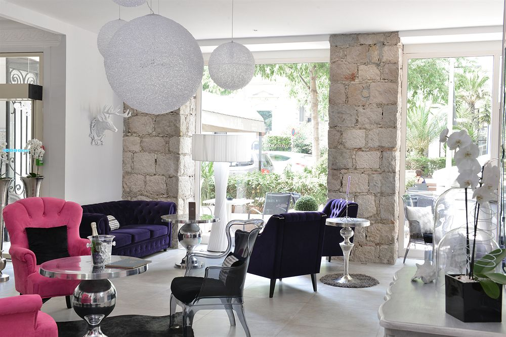Hotel La Villa Nice Victor Hugo in Cot d'Azur