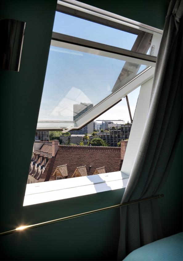 vu-de-paris-de-l-une-des-chambres-de-l-hotel-sizel-158211-1200-849