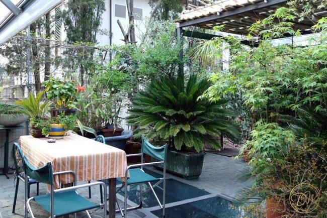 florence-santo-spirito-vintage-terrace-airbnb-012