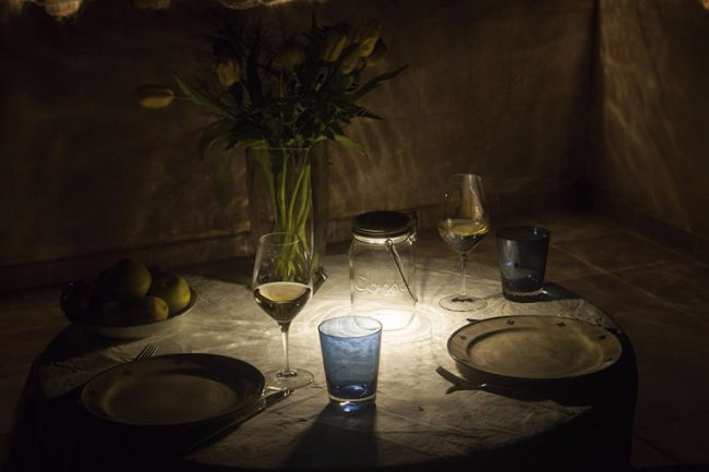 mason-jar-solar-table-lamp