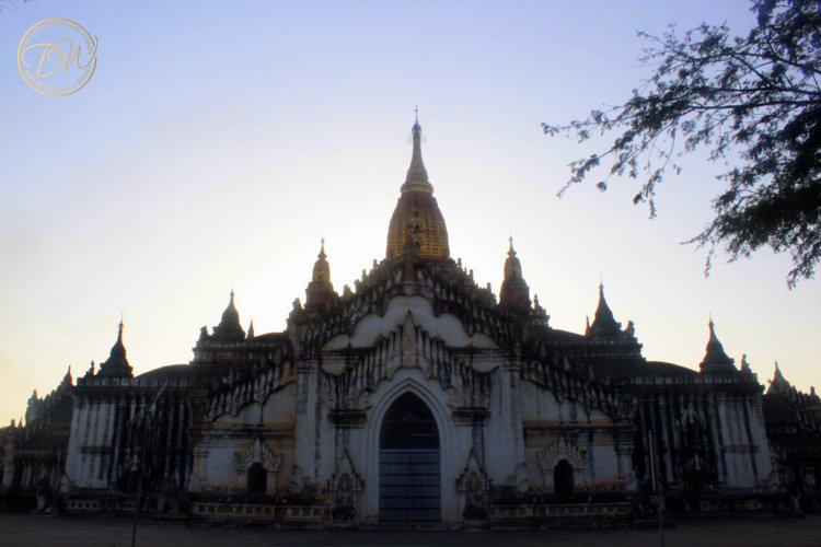 myanmar-pagodas-bagan-001