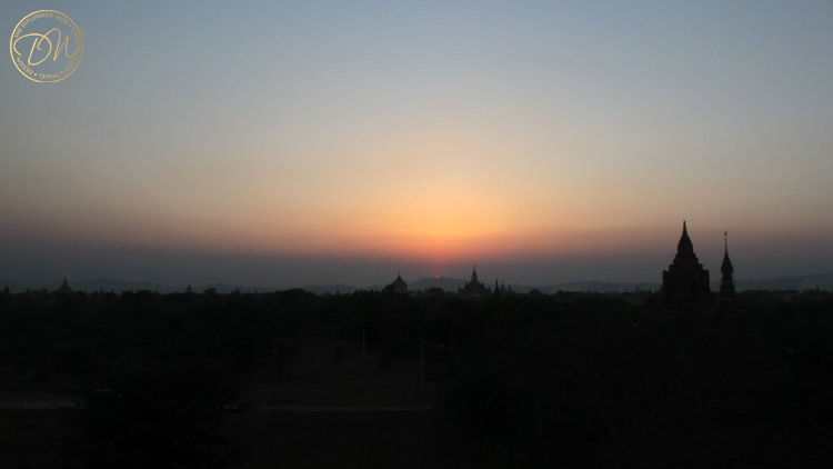 sunset-on-top-of-a-pagoda-bagan-006