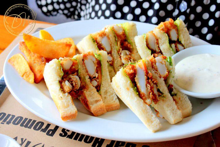 yangon-thiripyitsaya-sky-bistro-restaurant-011