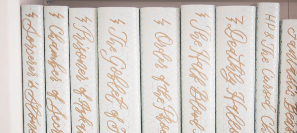 How To Style Your Books So They Look Pretty